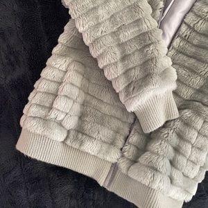 BNWOT Gorgeous Fur Coat with hood